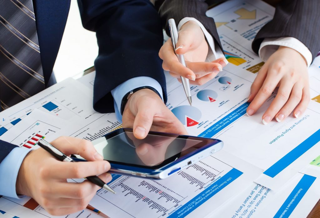 Commercial & Financial Expertise – Leading Results